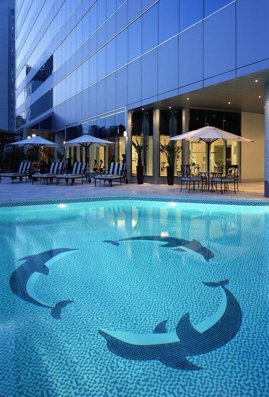 Millennium Hotel Abu Dhabi Вид на бассейн