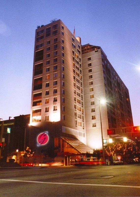Garfield Suites Hotel - Cincinnati, OH