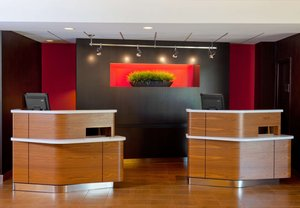 Lobby - Courtyard by Marriott Hotel Columbus