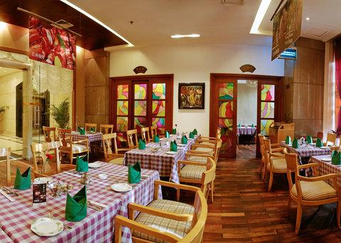 Gold Source Hotel - San Paulo Buffet Restaurant