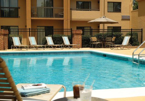 Courtyard by Marriott - Atlanta Executive Park/Emory - Outdoor Pool