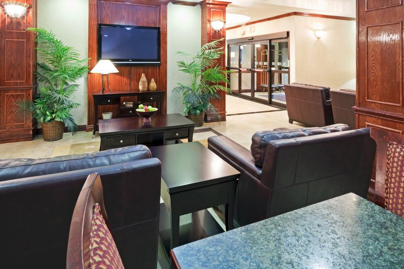 Holiday Inn Express Hotel & Suites Duncanville Lobby