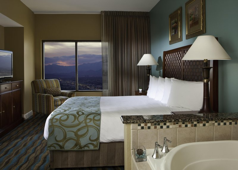Hilton Grand Vacations Club on the Las Vegas Strip Suite