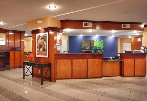 Fairfield Inn & Suites Albuquerque Airport - Front Desk