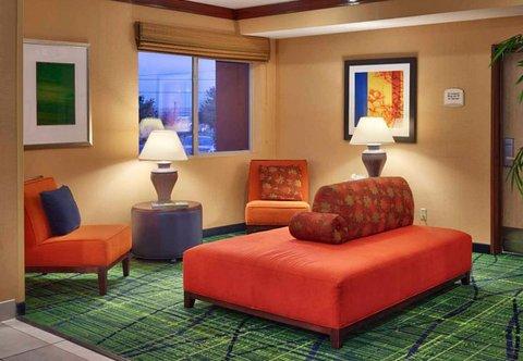 Fairfield Inn & Suites Albuquerque Airport - Lobby Sitting Area