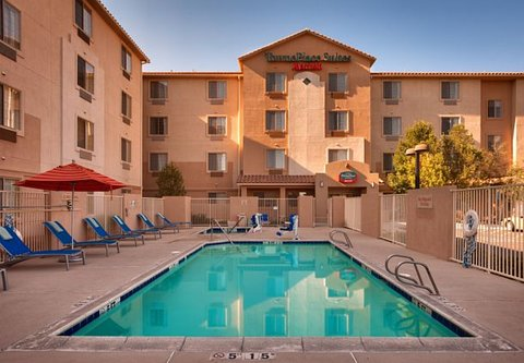 TownePlace Suites Albuquerque Airport - Outdoor Pool   Spa