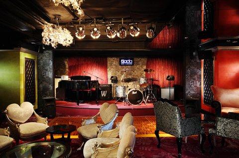 ذه لوكس مانور - Dada Bar   Lounge -- Stage
