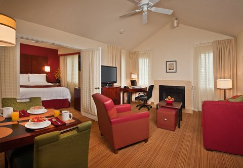 Residence Inn Annapolis - Two-Bedroom Suite