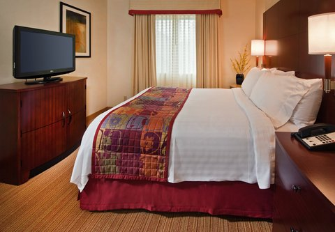 Residence Inn Annapolis - Two-Bedroom Suite - Sleeping Area