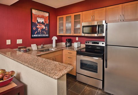 Residence Inn Annapolis - Fully-Equipped Kitchen