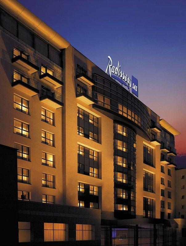 Radisson Blu Hotel, Bucharest Buitenaanzicht