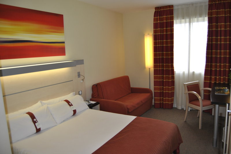 Holiday Inn Express Pamplona Widok pokoju