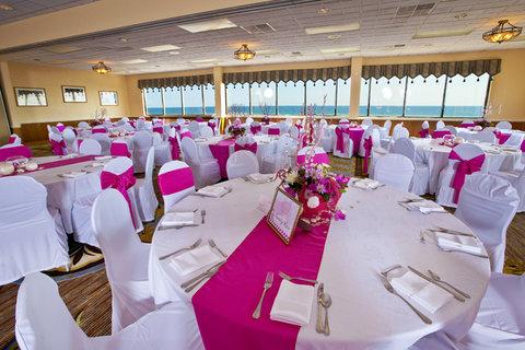 Ramada Plaza Nags Head Oceanfront - Ballroom