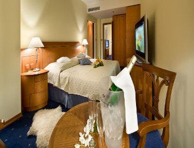 Ramada Prague City Centre - Guest Room