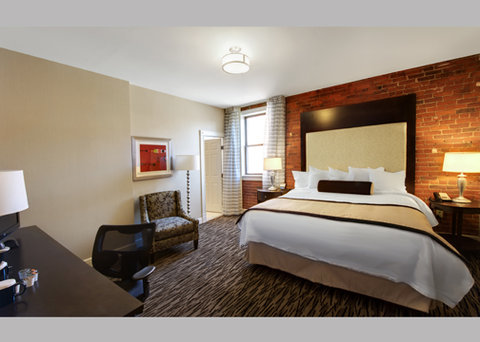 Fairfield Inn & Suites Keene Downtown - Two Level King  Suite