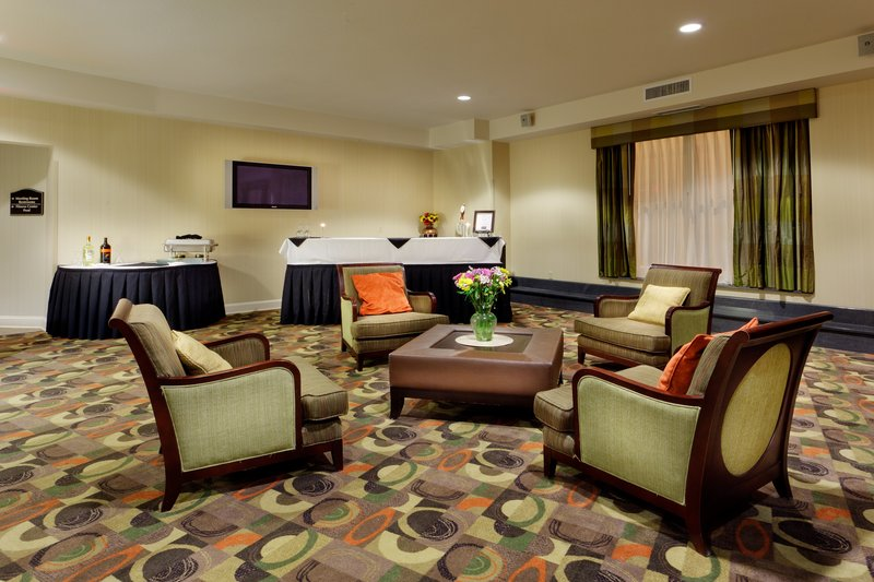 Holiday Inn Express & Suites LATHAM - Albany, NY