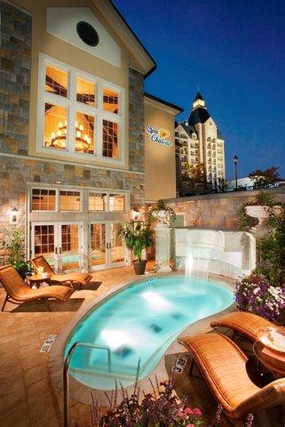 Chateau on the Lake Resort and Spa - Spa Chateau Roman Bath