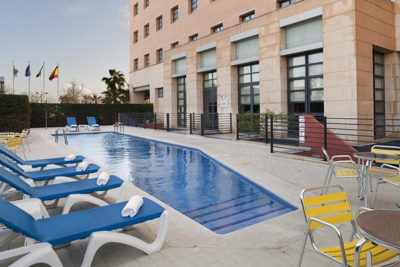 Holiday Inn Express Valencia-Ciudad de las Ciencias Pool