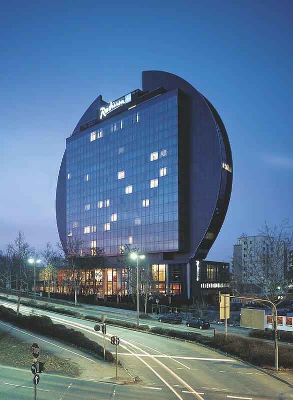 Radisson Blu Hotel Frankfurt Vue extérieure