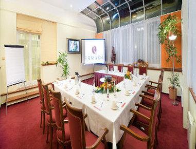 Ramada Prague City Centre - Meeting Room