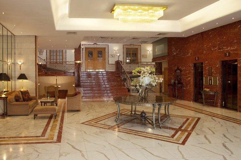 Holiday Inn Nicosia City Centre Außenansicht