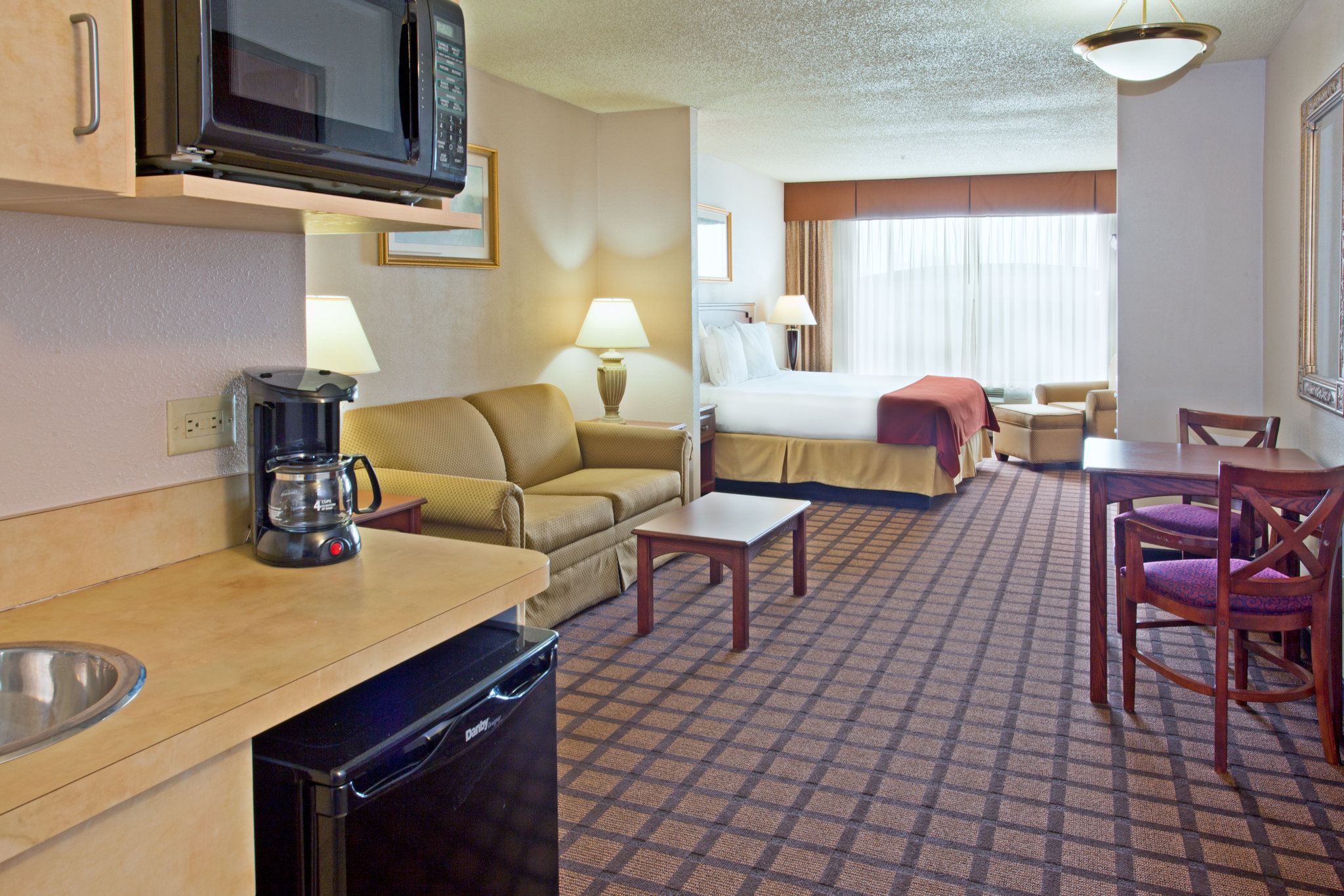 Holiday Inn Express Hotel & Suites LONGVIEW