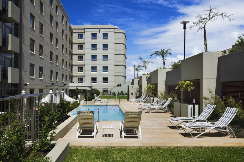 Holiday Inn Express Durban Umhlanga Poolansicht