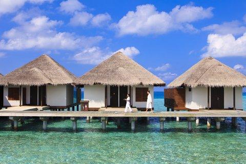 Velassaru Maldives - Overwater spa treatment pavilions