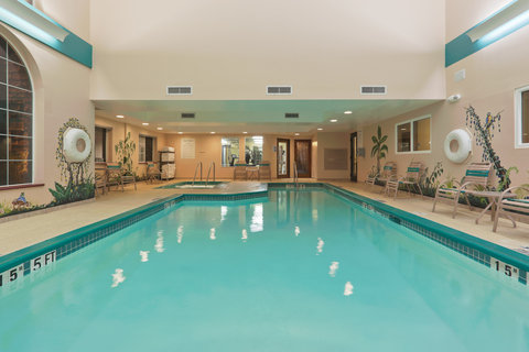 Holiday Inn Express Hotel And Suites Bishop - Swimming Pool