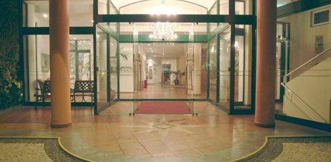 佩斯塔納灣海洋公寓酒店 - Entrance