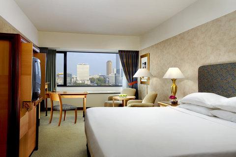 Sheraton Brussels Hotel - Club Guestroom