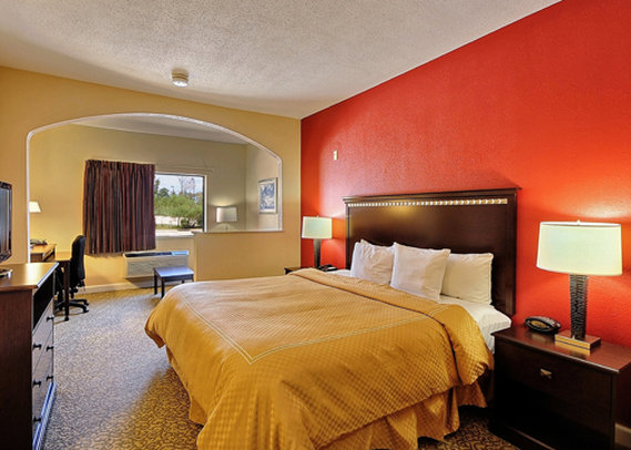 Clarion Suites Near the  Woodlands
