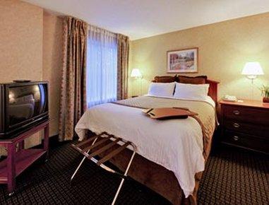 Hawthorn Suites Lancaster - Lancaster, PA