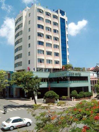 Bamboo Green Central Hotel - Facade