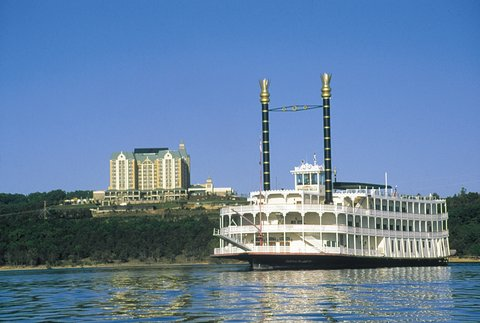 Chateau on the Lake Resort and Spa - Showboat Branson Belle