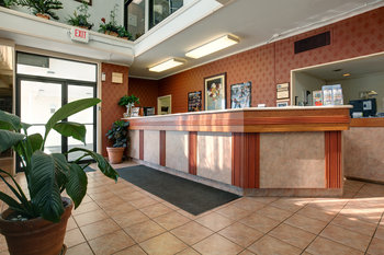 Americas Best Value Inn - Lobby