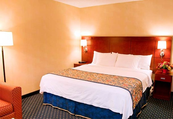 Courtyard by Marriott Stockton - Stockton, CA