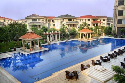 Golden Sun Hotel Luxury - Sweeming
