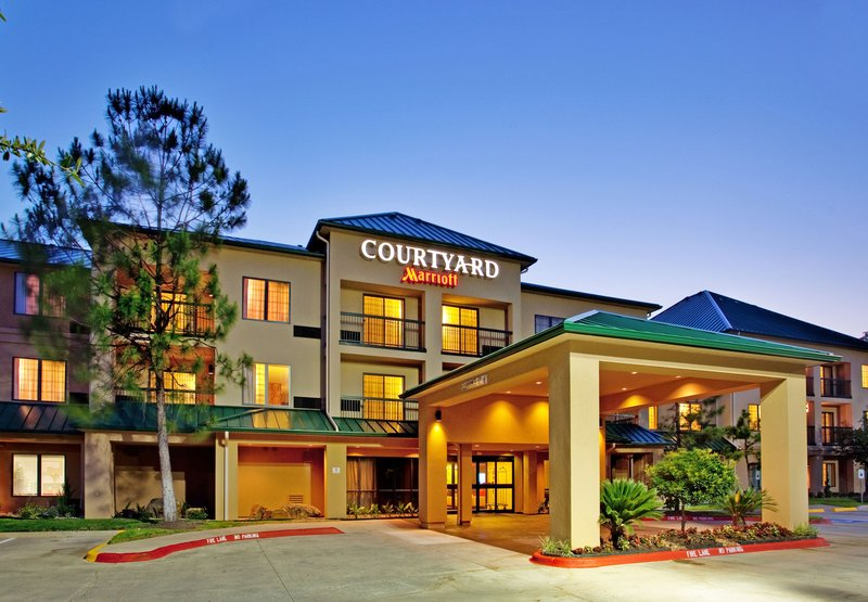 Courtyard Woodlands By Marriott