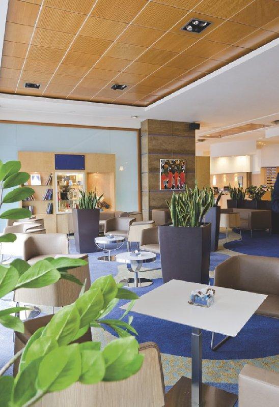 Radisson Blu Hotel Nice Lobby