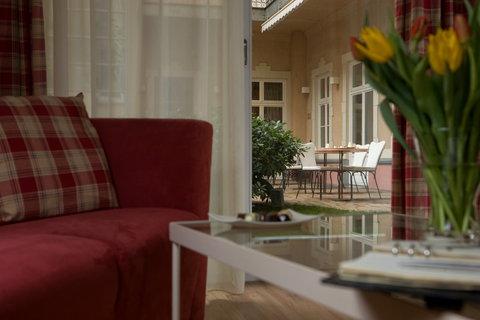Mamaison Residence Izabella Budapest - Suite - garden view