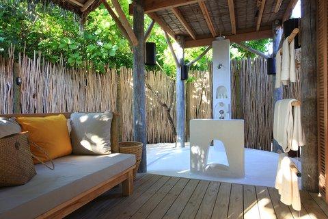 Six Senses Laamu - Beach Villa Bathroom