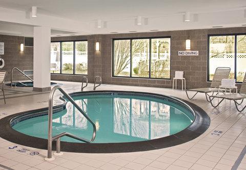 Courtyard Albany Thruway - Indoor Pool