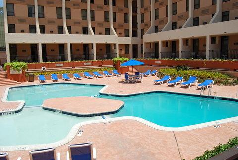 Park Inn by Radisson Dallas-Love Field, TX - Outdoor Pool