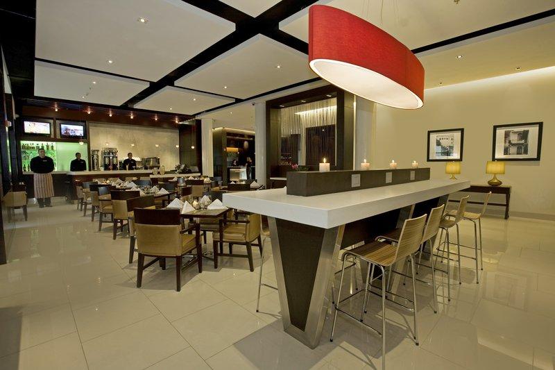 Courtyard Panama MetroMall Gastronomie