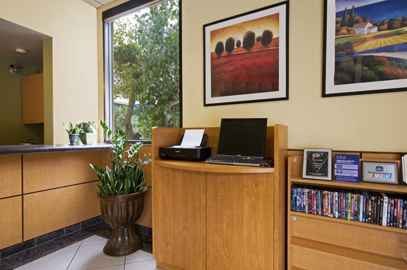 BEST WESTERN PLUS Eagle Rock Inn - Los Angeles, CA