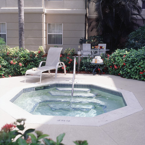 Homewood Suites by Hilton Fort Myers - Jacuzzi Spa