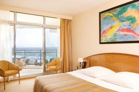 Le Meridien Le President Hotel - Deluxe Bedroom Sea View