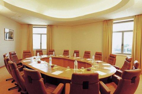 Le Meridien Le President Hotel - Meeting Room