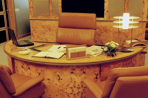 Le Meridien Le President Hotel - Business Center